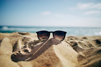 Native sunglasses for sale for a fraction of the cost of expensive models, says the internet
